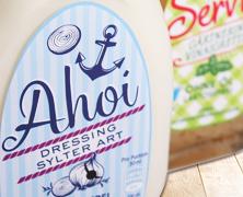 Kuehne Saisondressing Packaging, entwickelt von der Markenagentur Menori Design aus Hamburg und New York